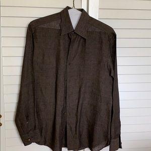 Men's Brioni long sleeve button down linen shirt.